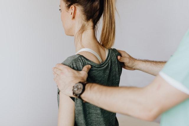 avantages d'un correcteur de posture
