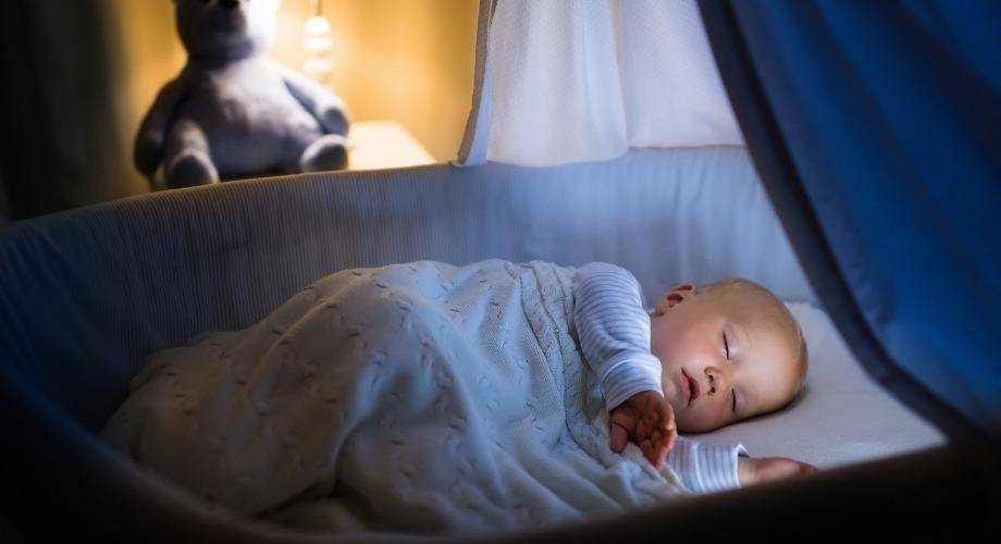 endormir leur bébé dans un endroit calme