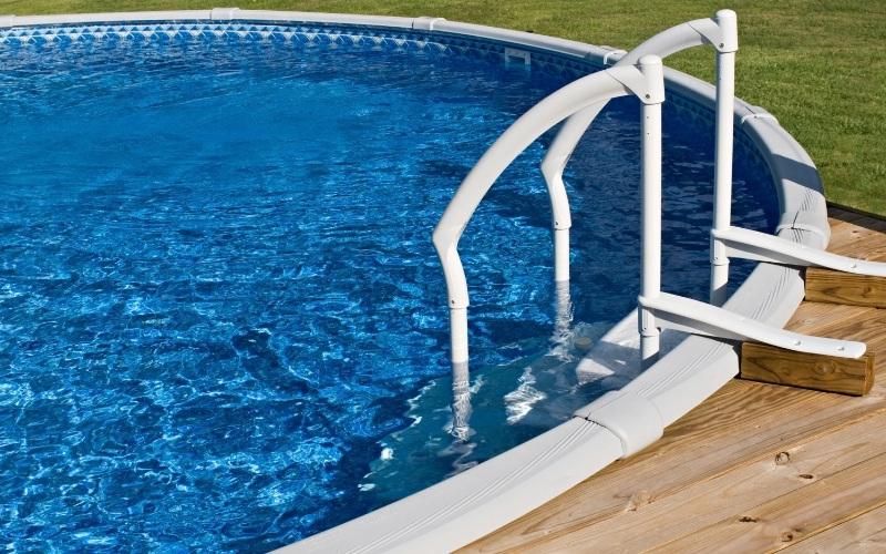 avantages et inconvénients des systèmes de chauffage de piscine hors-sol