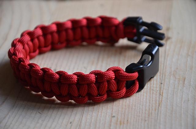 bracelet de survie rouge