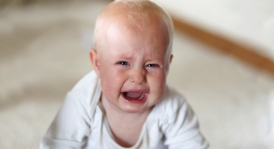 pleurs d'un bébé de 6 mois