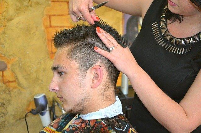 homme coiffeur