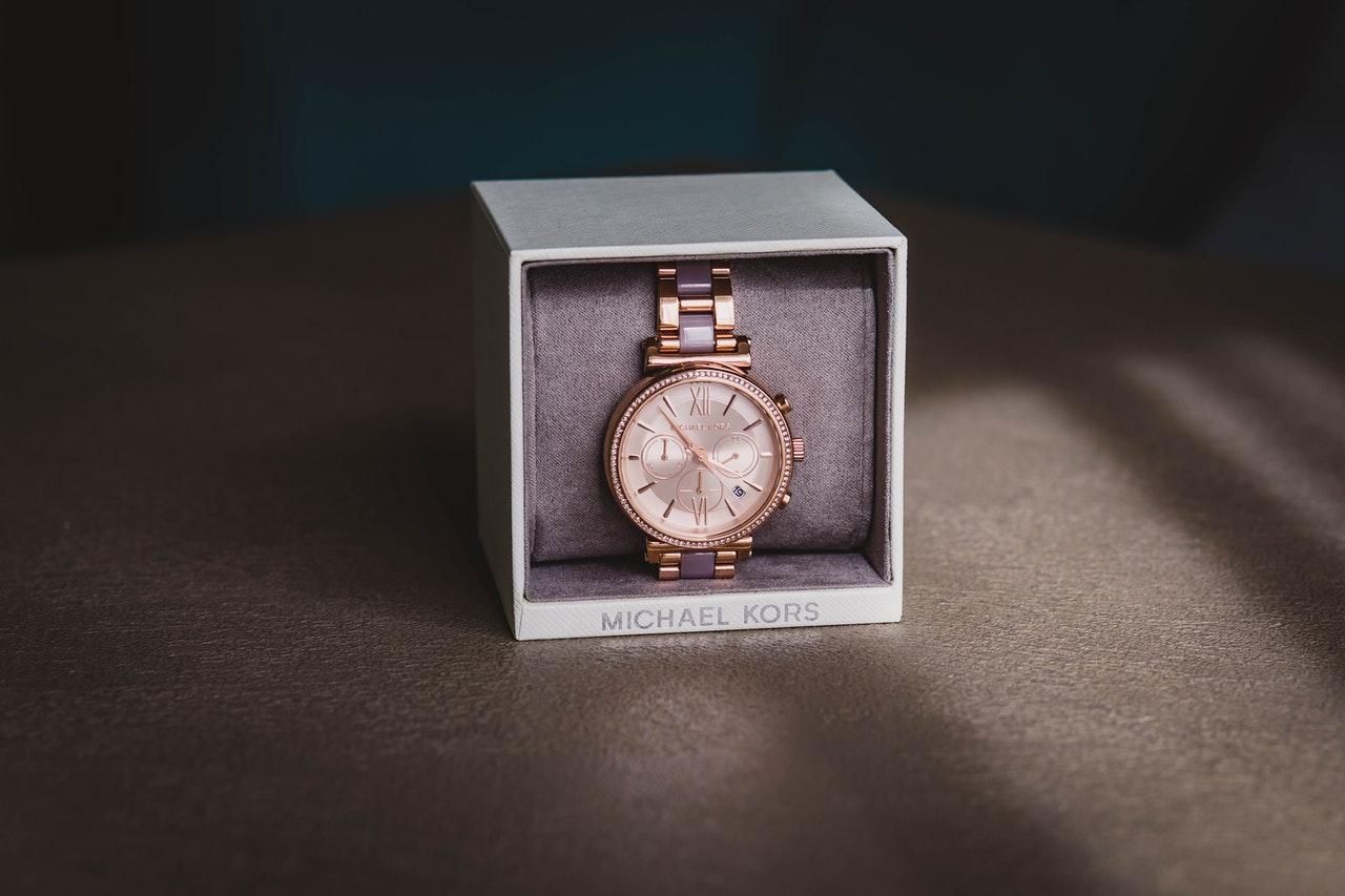 porte montre homme